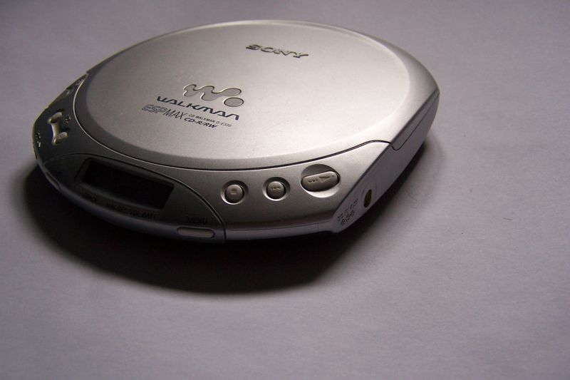 Sony_CD_Walkman_D-E330