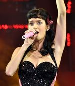 892px-Katy_Perry_2008