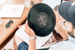 UK-vinyl-buyers-300x200