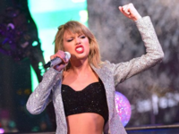 Taylor-swift-angry-fist