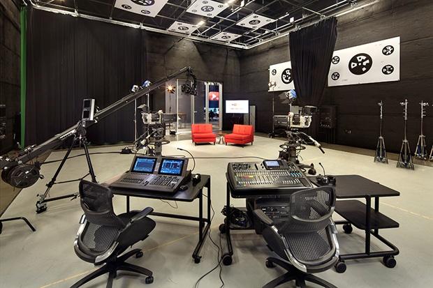 Studio2_1-youtube-20